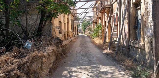 Những bức ảnh hiếm hoi về thị trấn ma tại Síp Ảnh 8