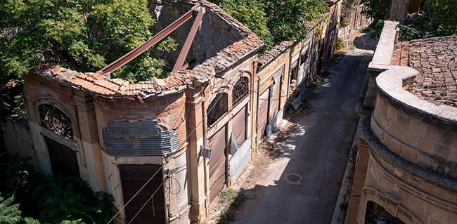 Những bức ảnh hiếm hoi về thị trấn ma tại Síp Ảnh 5