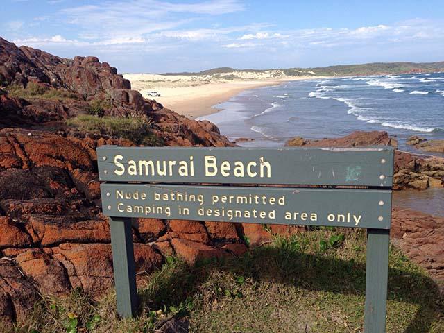Phải khỏa thân hoàn toàn mới có thể đặt chân tới những bãi biển kỳ lạ này Ảnh 5