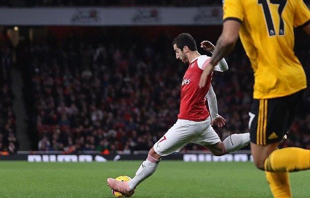 Mkhitaryan ra tay cứu Arsenal thoát khỏi trận thua trông thấy trước tân binh Wolves Ảnh 2