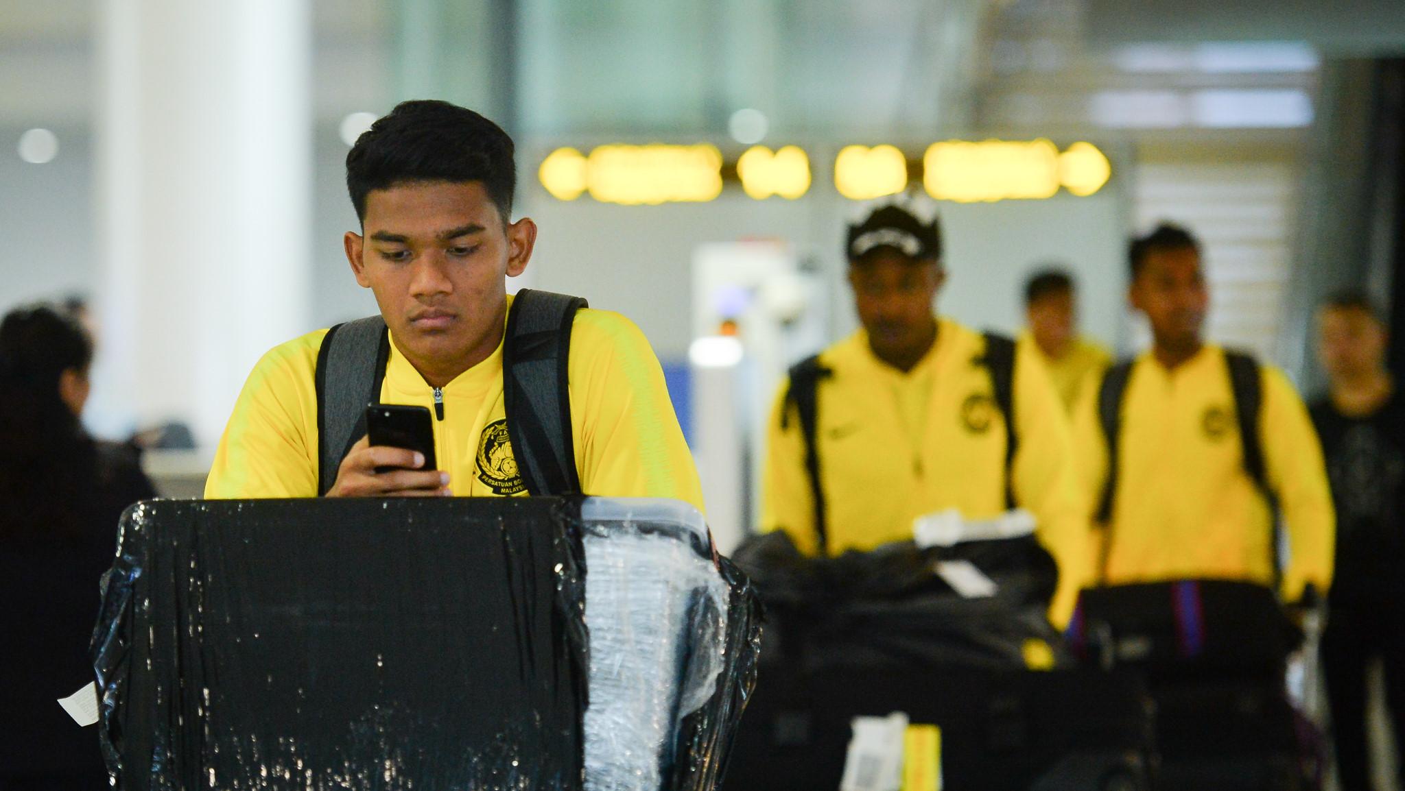 Xe buýt chở đội Malaysia bỏ quên người ở sân bay Nội Bài Ảnh 1