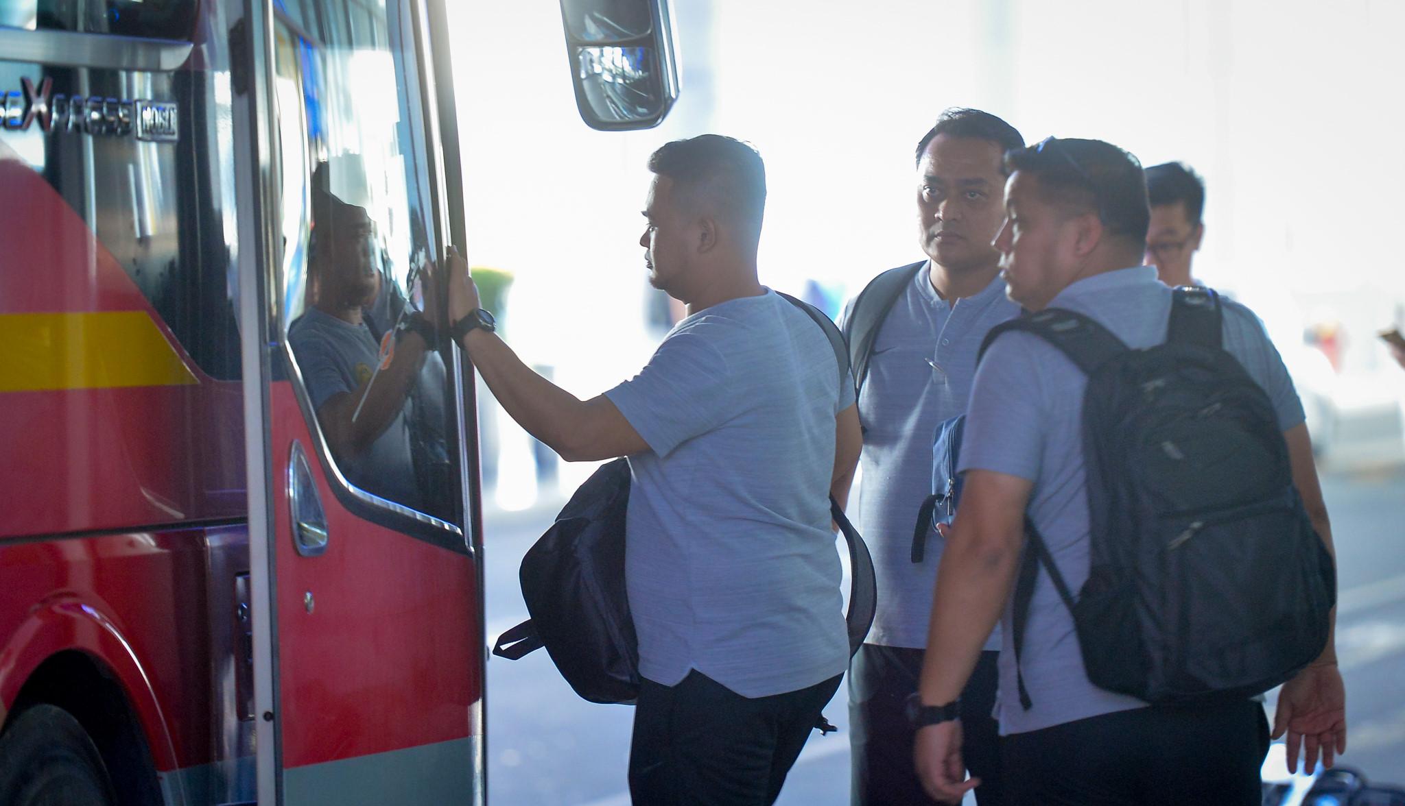 Xe buýt chở đội Malaysia bỏ quên người ở sân bay Nội Bài Ảnh 4