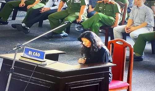 Đường dây đánh bạc nghìn tỷ: Chị họ Phan Sào Nam bật khóc trước tòa Ảnh 1