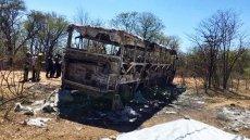 Ít nhất 42 người chết do cháy xe buýt ở Dim-ba-bu-ê ảnh 1