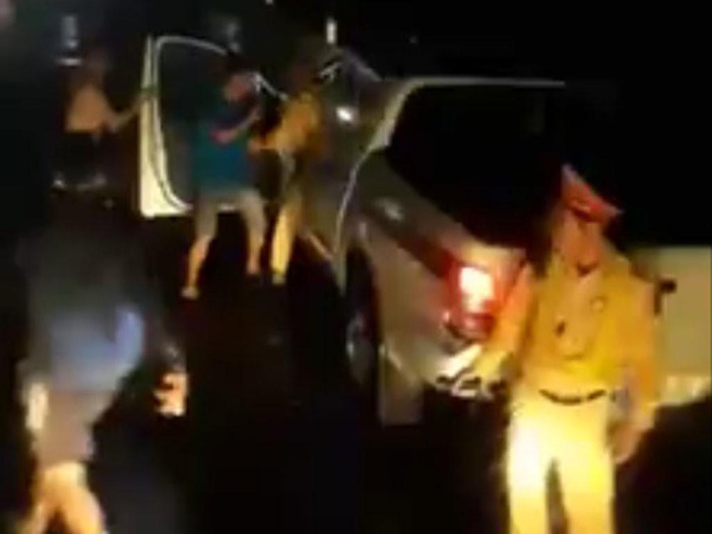 CSGT nói gì về video clip đánh nhau với lái xe ? Ảnh 3