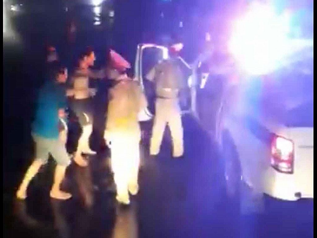 CSGT nói gì về video clip đánh nhau với lái xe ? Ảnh 1