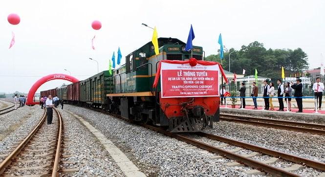 Dự án nâng cấp đường sắt Yên Viên - Lào Cai 3.400 tỷ đồng: Đụng đâu cũng thấy sai sót Ảnh 1