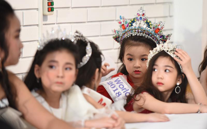 Ngắm vẻ đáng yêu của 'hoa hậu nhí' Diễm My Ảnh 3