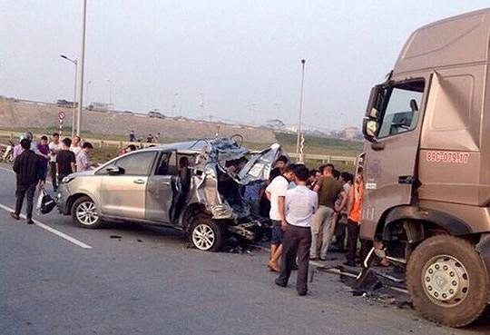 Hủy 2 bản án vụ xe container tông Innova lùi trên cao tốc để điều tra lại Ảnh 1