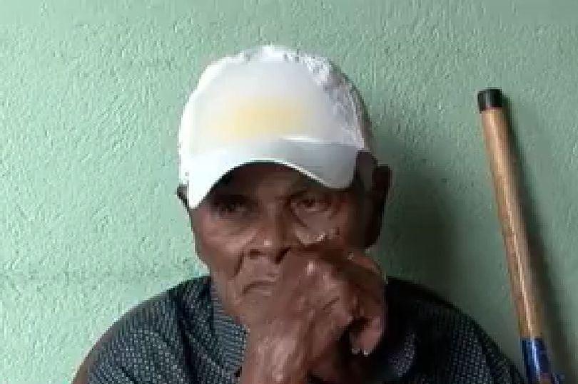 Cụ ông sinh năm 1900 tuyên bố là người cao tuổi nhất thế giới Ảnh 1