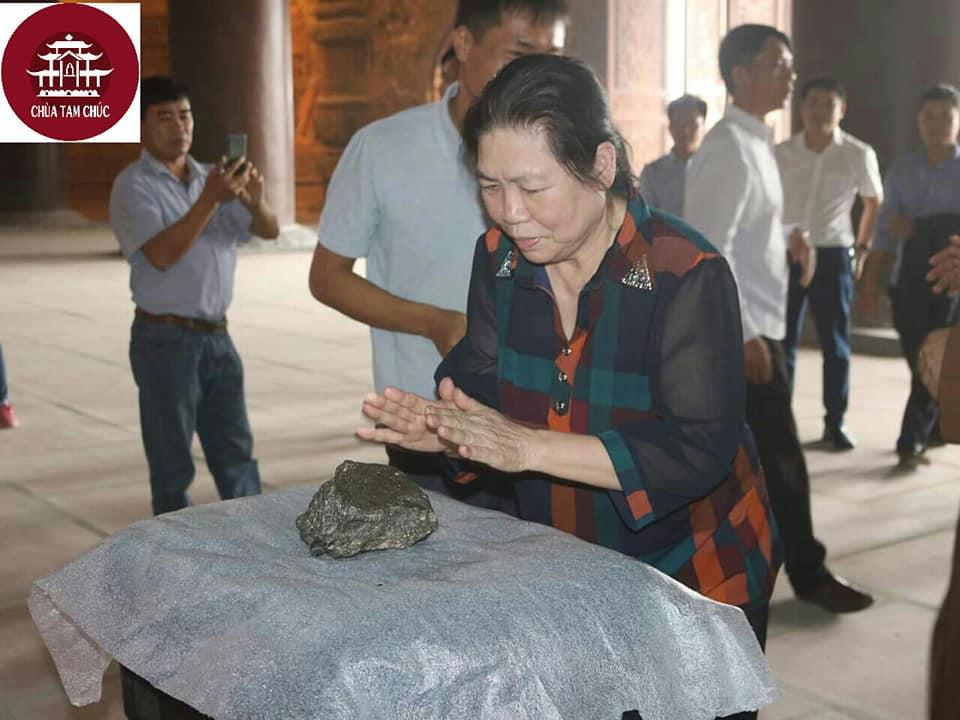 Chùa Tam Chúc đón nhận thiên thạch mặt trăng từ Mỹ Ảnh 4