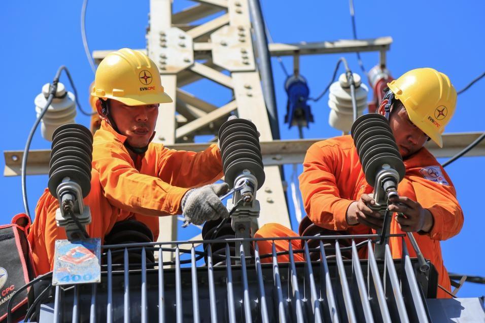 EVNCPC rút ngắn thời gian cấp điện cho khách hàng Ảnh 1