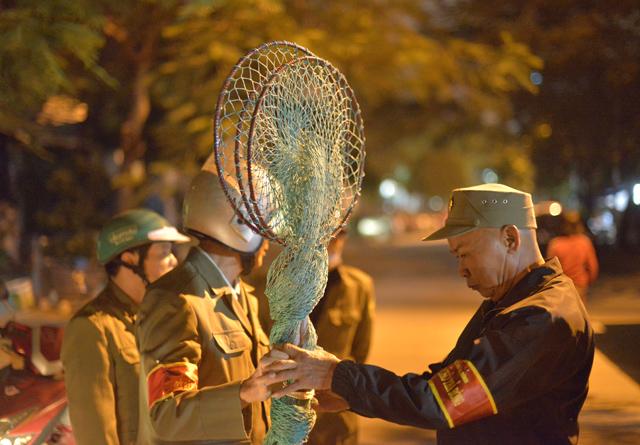 Trăn trở của người 'săn' chó thả rông chuyên nghiệp tại Hà Nội Ảnh 2