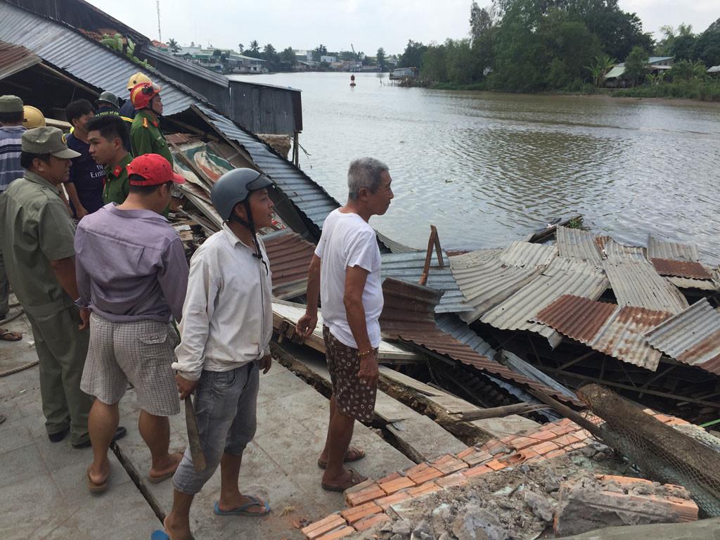 Sạt lở kinh hoàng bờ sông Long Xuyên, nhà dân 'biến mất' Ảnh 15