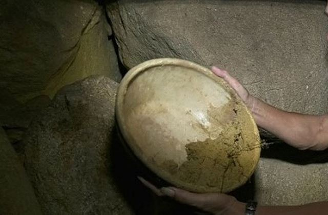 Phát hiện hang nghi cổ vật bí hiểm ở Thanh Hóa Ảnh 2