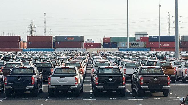 Thuế ô tô 0%, hải quan vẫn vượt đích thu ngân sách nhờ xăng dầu Ảnh 1