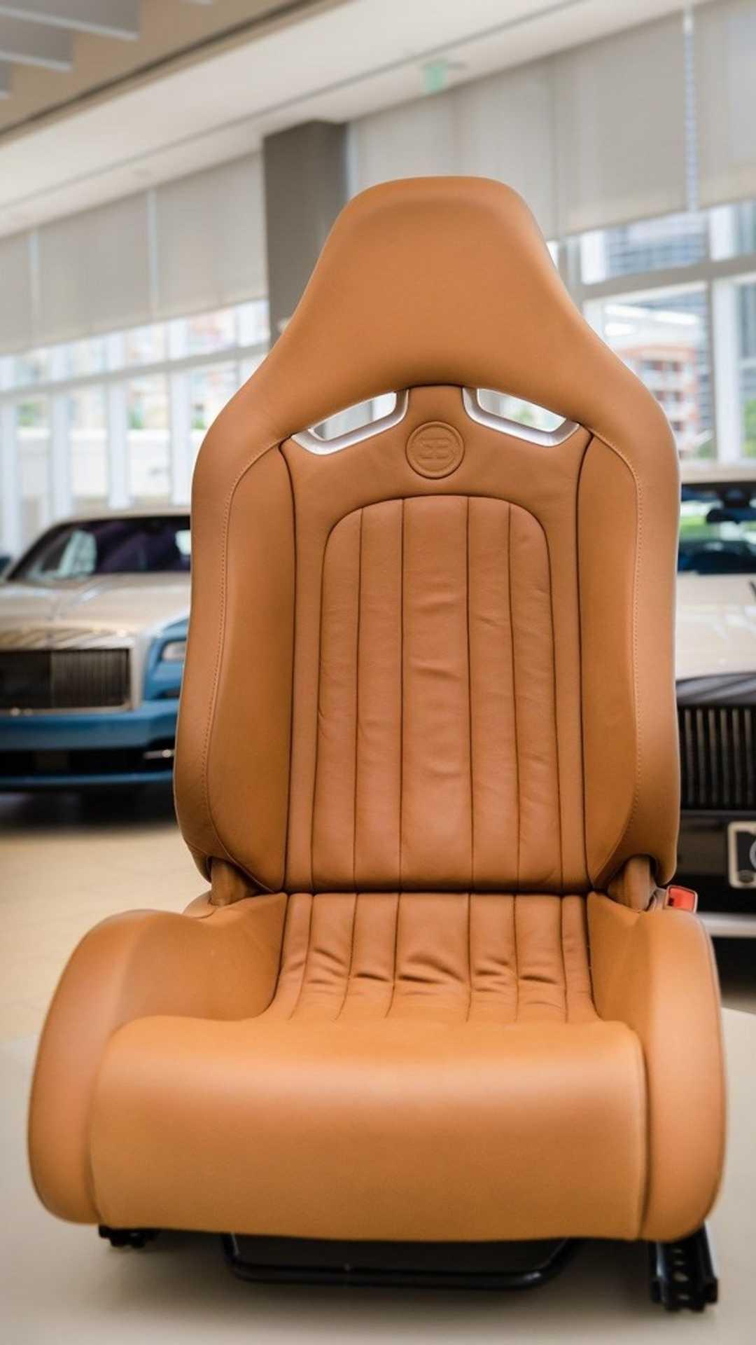 Chi tiết bộ nội thất trị giá 150.000 USD của Bugatti Veyron Ảnh 5