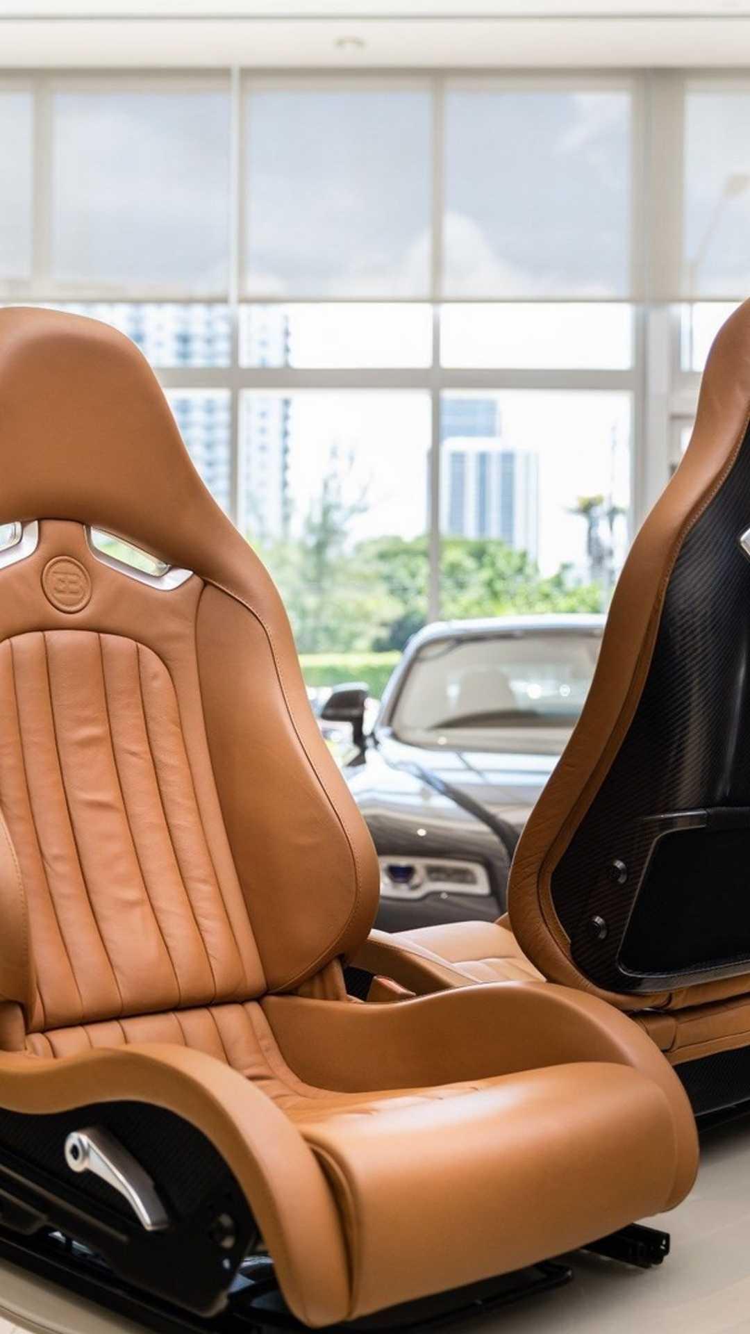 Chi tiết bộ nội thất trị giá 150.000 USD của Bugatti Veyron Ảnh 6