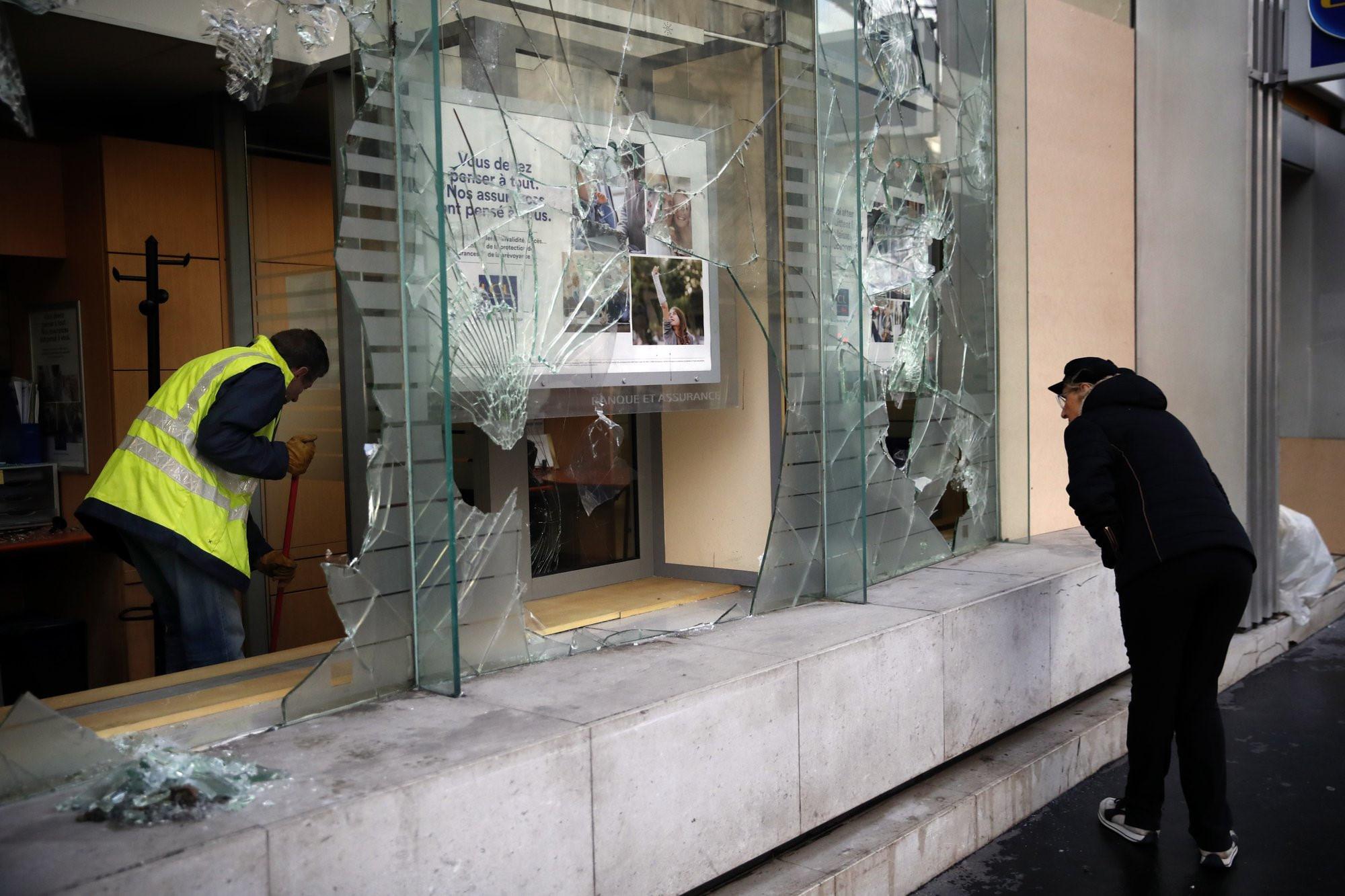 Pháp lo sợ bạo loạn thành 'thảm họa', bắt giữ hơn 1.700 người Ảnh 2