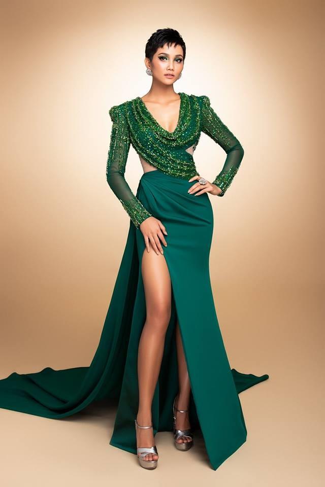 H'Hen Niê thử váy dạ hội, đẹp bí ẩn như nữ hoàng Ai Cập cổ đại Ảnh 3