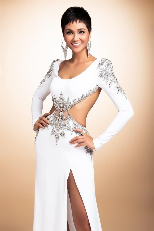 H'Hen Niê thử váy dạ hội, đẹp bí ẩn như nữ hoàng Ai Cập cổ đại Ảnh 8