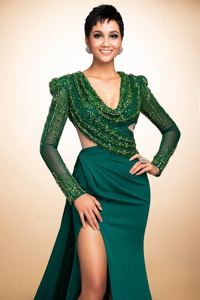 H'Hen Niê thử váy dạ hội, đẹp bí ẩn như nữ hoàng Ai Cập cổ đại Ảnh 4