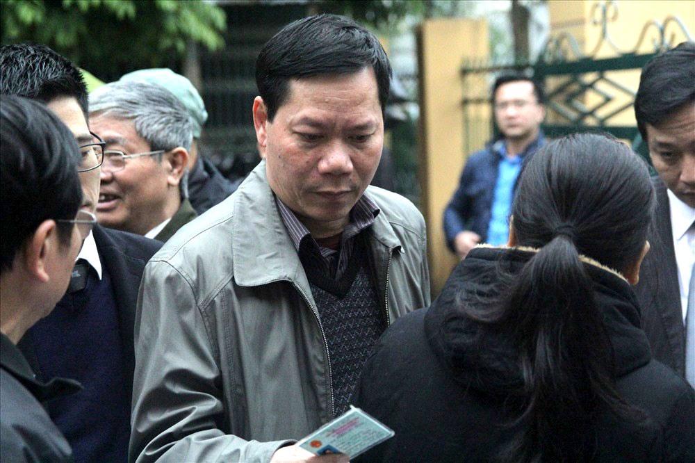 Các bị cáo đều có mặt tại tòa, trừ bác sĩ Hoàng Công Lương Ảnh 1