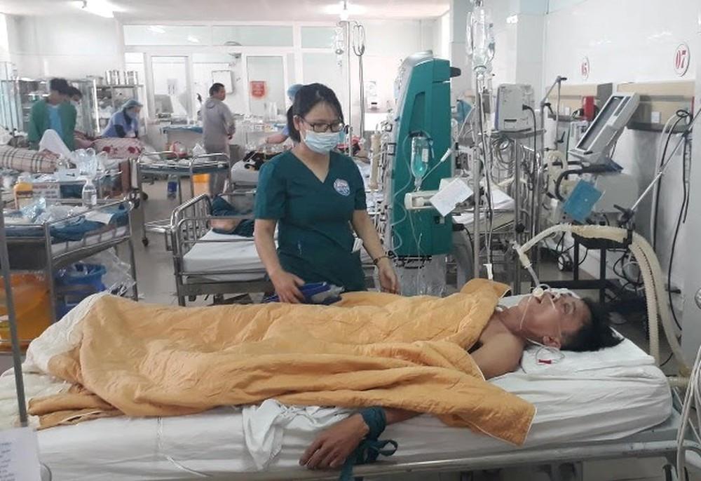 Bác sĩ truyền 15 lon bia cứu bệnh nhân: 'Không có thời gian đắn đo' Ảnh 1