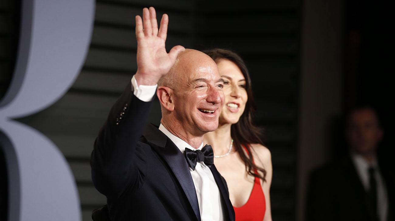 Jeff Bezos ly hôn, Bill Gates lại trở thành người giàu nhất thế giới Ảnh 1