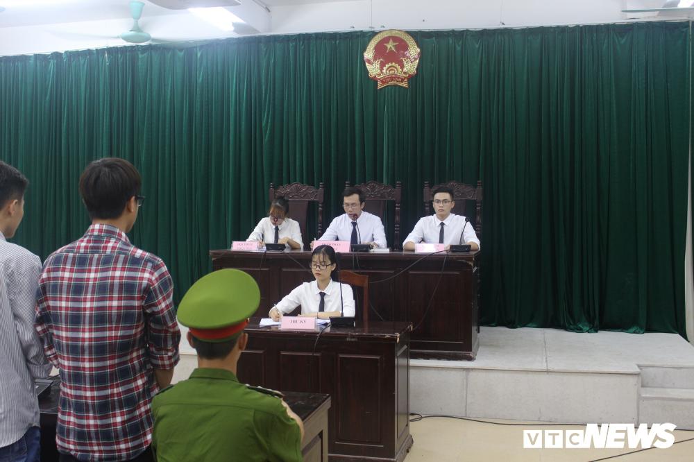 Sinh viên nhập vai, tranh tụng gay cấn trong phiên xử 'kỳ án đồi thông' Ảnh 4