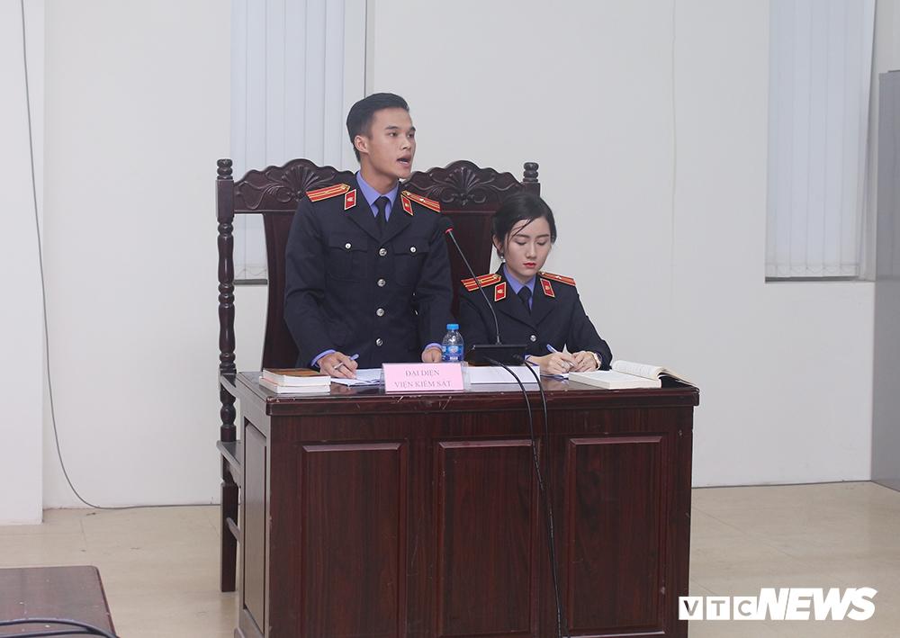 Sinh viên nhập vai, tranh tụng gay cấn trong phiên xử 'kỳ án đồi thông' Ảnh 10