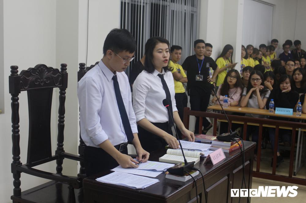 Sinh viên nhập vai, tranh tụng gay cấn trong phiên xử 'kỳ án đồi thông' Ảnh 8