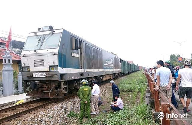 Huế: Chuẩn bị vượt qua đường ray, một phụ nữ bị tàu hỏa tông 1 nguy kịch Ảnh 2
