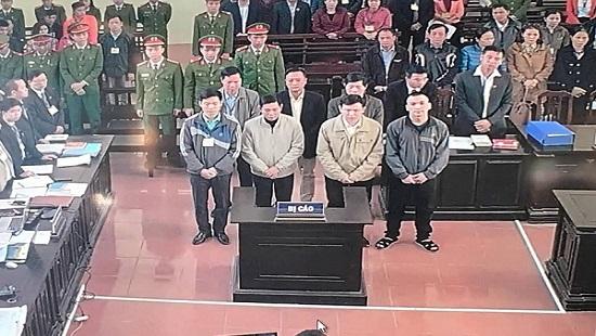 Xét xử vụ án chạy thận ở Hòa Bình: Bị cáo Trương Quý Dương khai gì trước tòa? Ảnh 1