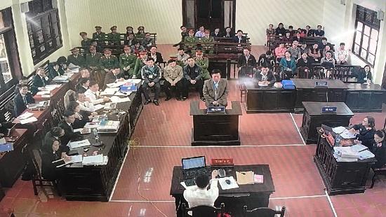 Xét xử vụ án chạy thận ở Hòa Bình: Bị cáo Trương Quý Dương khai gì trước tòa? Ảnh 2