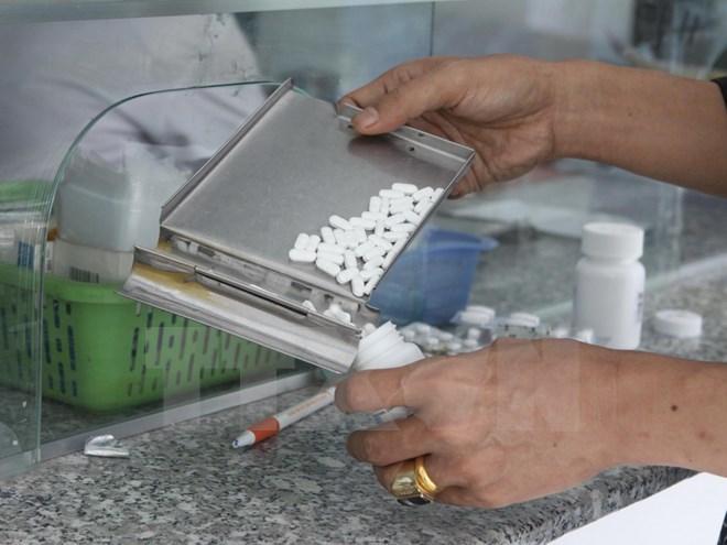 Thứ trưởng Y tế: Không ở đâu mua thuốc kháng sinh dễ như ở Việt Nam Ảnh 1