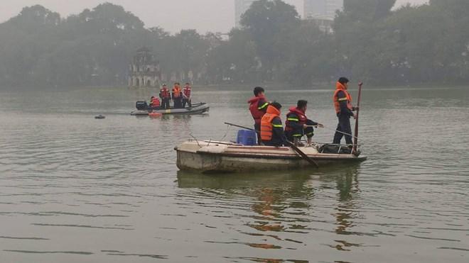 Hà Nội: Nam thanh niên đuối nước tại Hồ Hoàn Kiếm chưa rõ nguyên nhân Ảnh 1