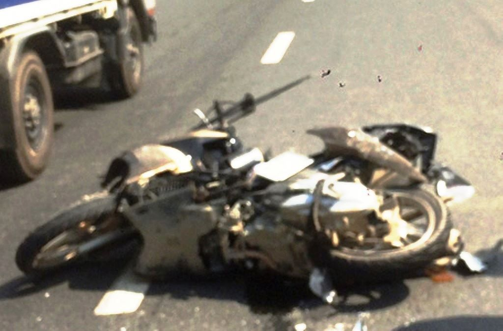 Cha và con trai cùng tử vong sau cú tông từ xe khách Ảnh 1