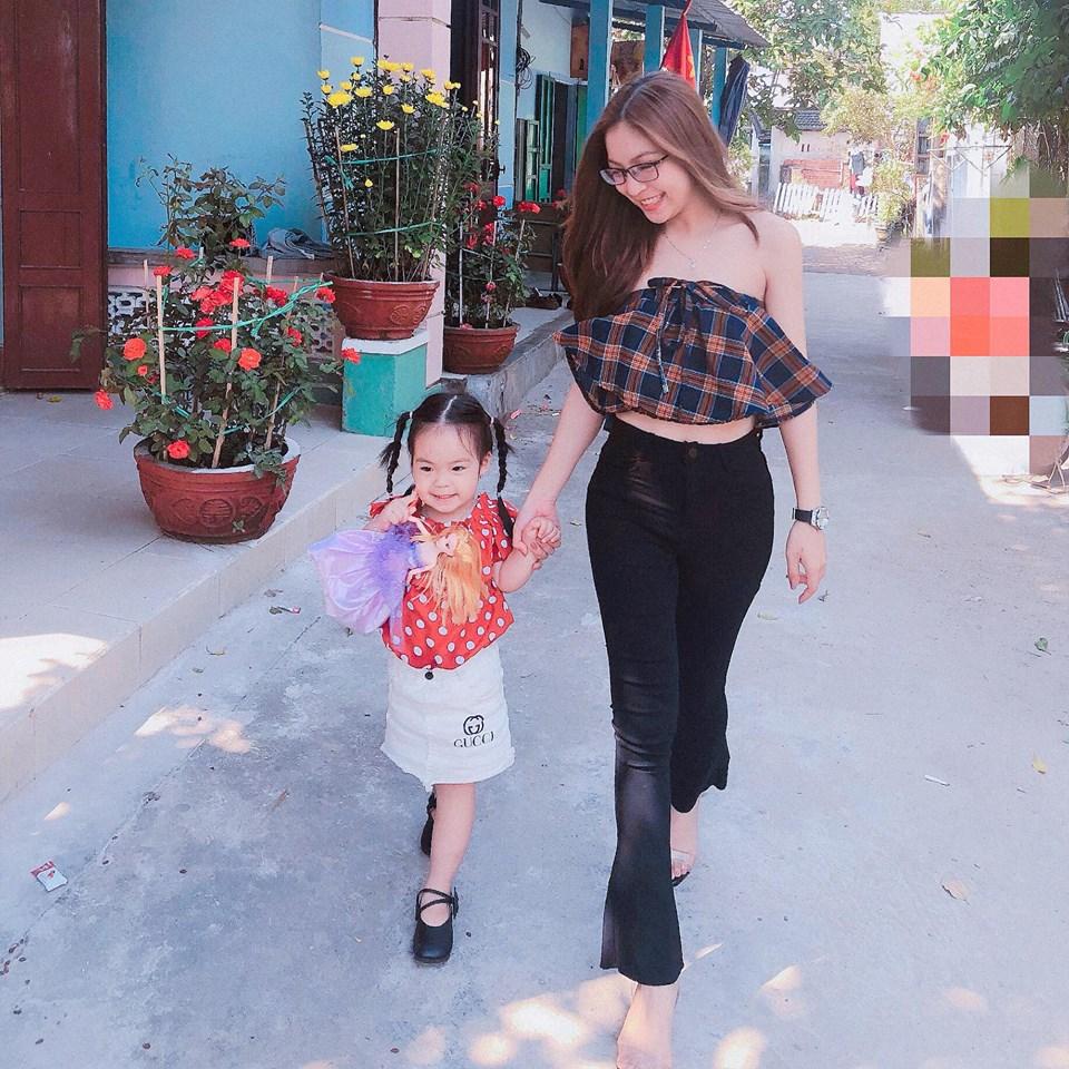 Bạn gái Quang Hải: Xinh như ngọc nữ và phong cách thời trang có '1-0-2' Ảnh 1