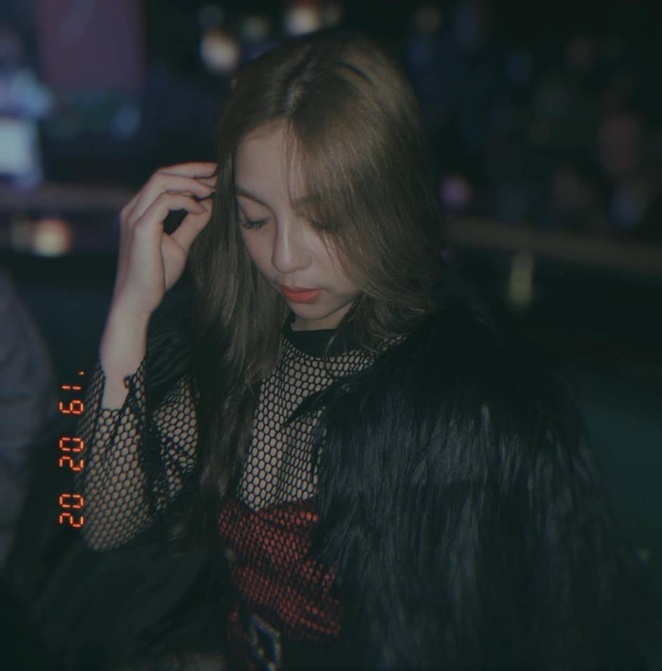 Bạn gái Quang Hải: Xinh như ngọc nữ và phong cách thời trang có '1-0-2' Ảnh 3