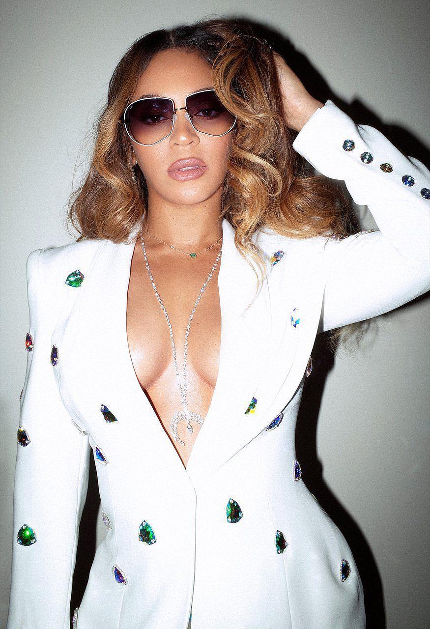 Không nội y, Beyonce khiến người xem 'bỏng mắt' trong loạt ảnh mới Ảnh 7