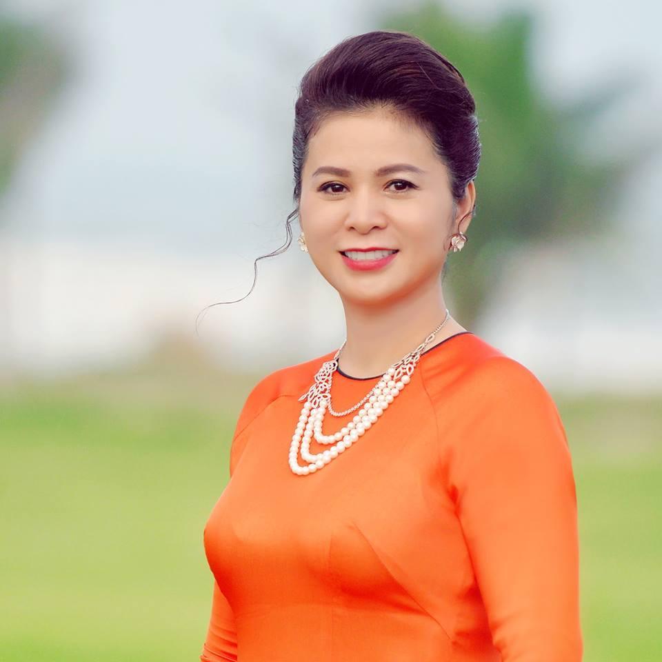 Phong cách thời trang của bà Lê Hoàng Diệp Thảo Ảnh 22