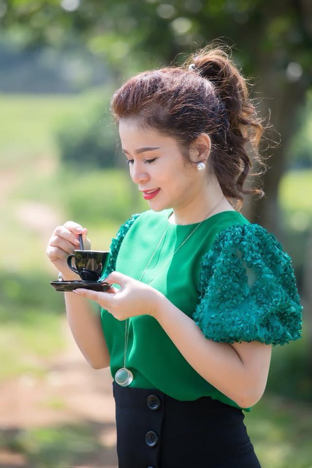 Phong cách thời trang của bà Lê Hoàng Diệp Thảo Ảnh 25