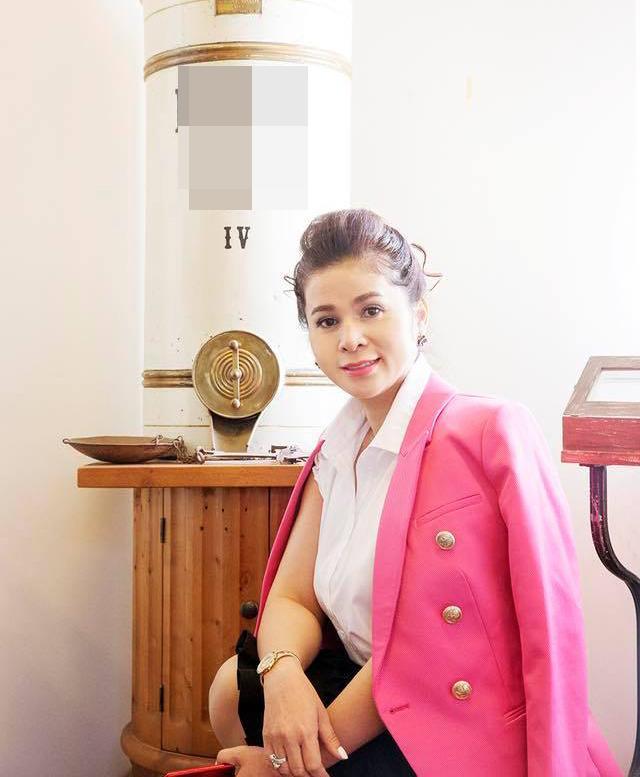 Phong cách thời trang của bà Lê Hoàng Diệp Thảo Ảnh 9