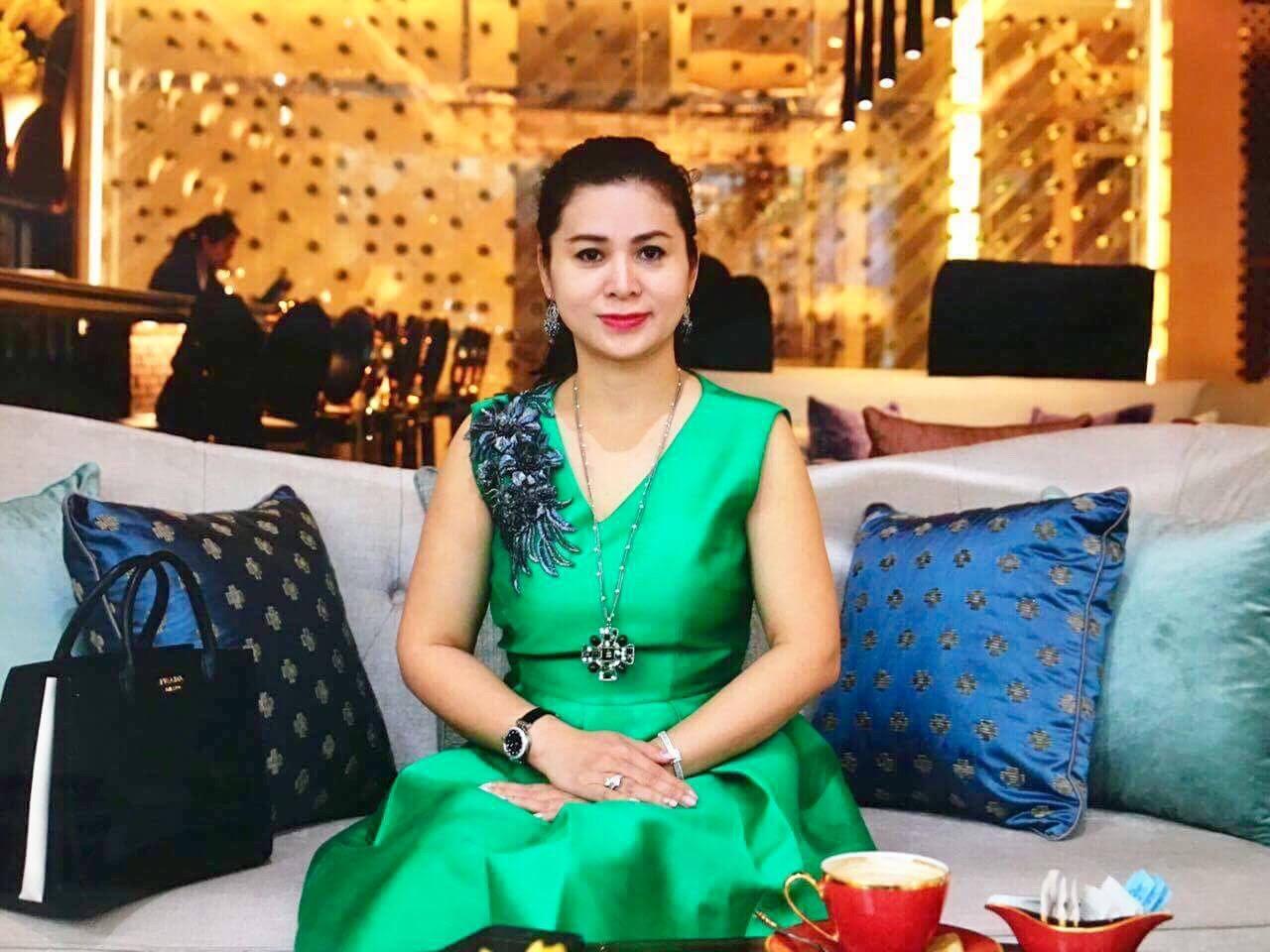 Phong cách thời trang của bà Lê Hoàng Diệp Thảo Ảnh 19