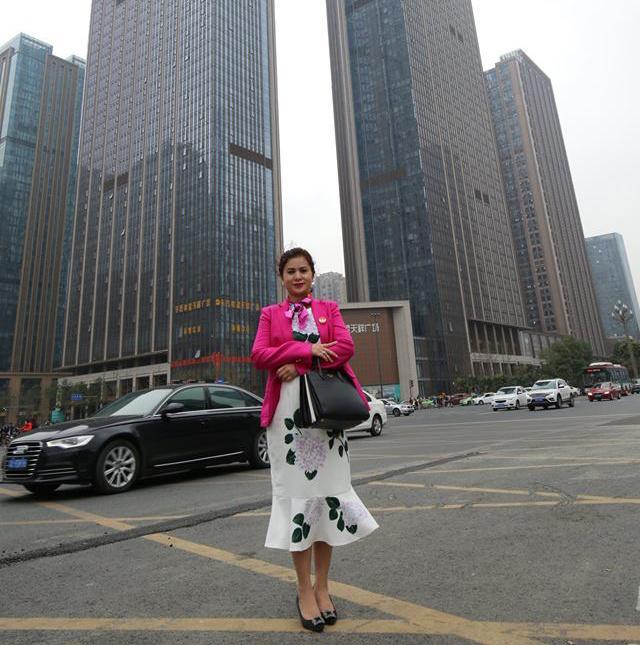 Phong cách thời trang của bà Lê Hoàng Diệp Thảo Ảnh 3