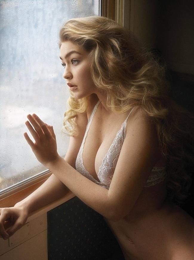 Bộ ảnh 'khỏa thân' nghệ thuật đẹp đến mê hồn của Gigi Hadid khiến cư dân mạng ngộp thở Ảnh 2