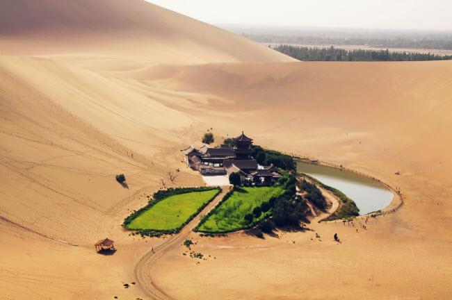 Không ngờ những ốc đảo thiên đường này lại mọc ngay giữa sa mạc Ảnh 21