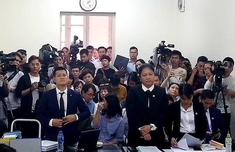 Xử vụ Tuần Châu - đạo viễn Việt Tú: Tranh cãi căng thẳng đến tối muộn Ảnh 2