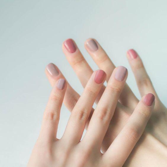 Top những mẫu móng tay sơn màu nude đẹp và sang trọng Ảnh 4